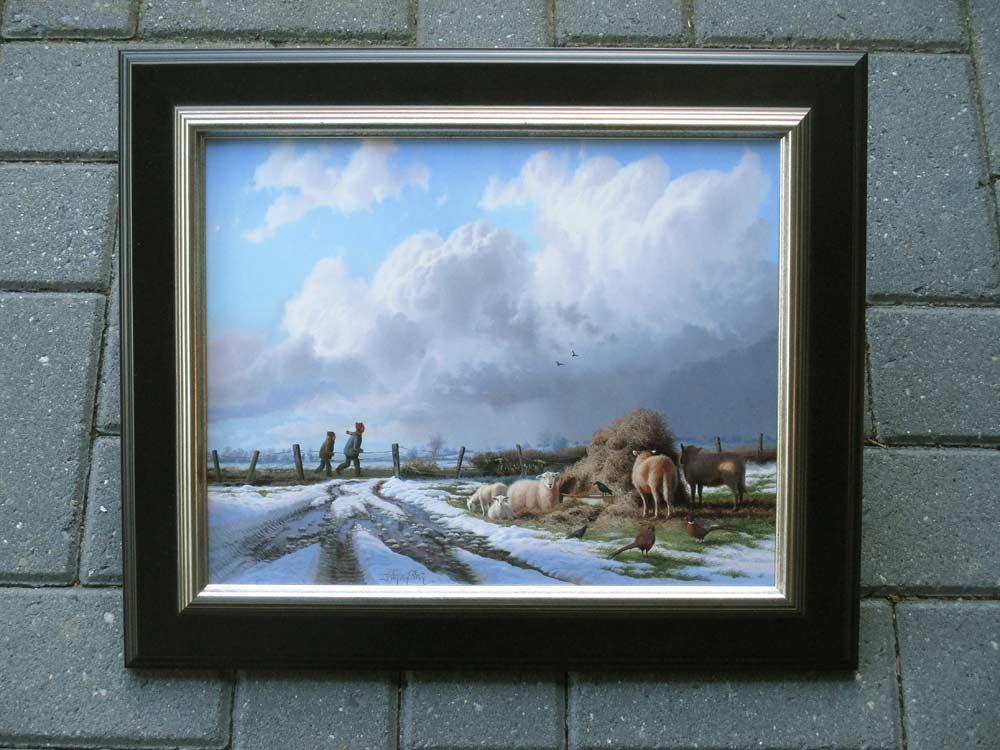 Winterlandschap met dieren, olieverf op paneel, afmeting incl. lijst 40,5x47cm