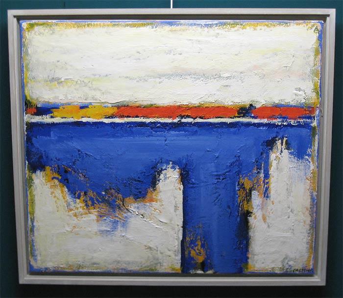 """Vrije compositie, olieverf op linnen, afmeting incl. lijst 75x85cm Lassche, Henk Lassche. """"Deze schilder van het Hollandse landschap heeft, staand in de romantische traditie van de Noord-Europese schilderkunst, in de loop der jaren een geheel eigen beeldtaal ontwikkeld.  Het gaat bij hem niet om een """"letterlijke"""" weergave van dat landschap met zijn weidse vergezichten en hoge luchten, maar om een persoonlijke verwerking hiervan.   De synthese van een expressionistische en informele benadering van zijn onderwerpen leidt bij hem tot abstracties, die mede ontstaan als gevolg van een uiterst intensieve werkwijze. Door laag op laag te zetten, door wegschrapen en bijwerken, ontstaan er schilderijen in olieverf, die telkens weer bij de aandachtige beschouwer nieuwe en verrassende beelden oproepen.   Het zijn werken die – hoe klein van formaat soms ook – de monumentaliteit van de door hem op zo eigen wijze verwerkte onderwerpen overtuigend en indrukwekkend laten zien""""."""